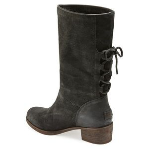 UGG Women's Cary Boot Black Mid-Calf Size 8